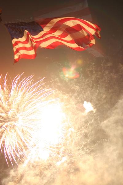 coreyhulse_fireworks_098_080704-023730
