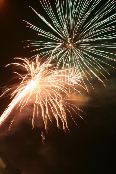 coreyhulse_fireworks_102_080704-024008