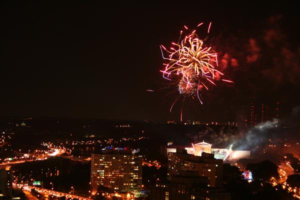 coreyhulse_fireworks_152_090704-215122