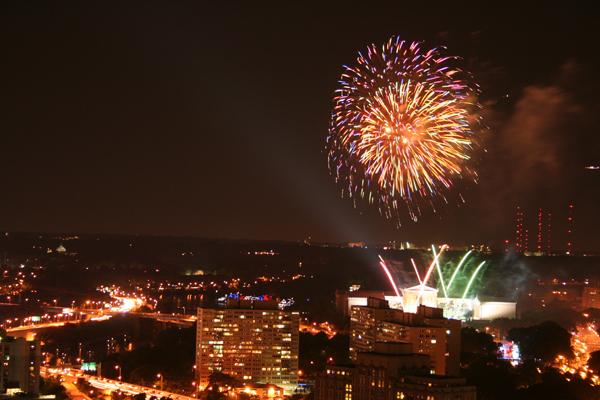 coreyhulse_fireworks_163_090704-215740